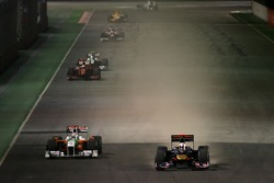 Adrian Sutil, Force India F1 Team and Jaime Alguersuari, Scuderia Toro Rosso