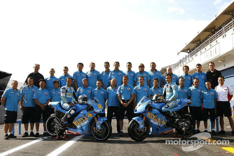 Sesión de fotos Rizla Suzuki MotoGP con Chris Vermeulen y Loris Capirossi