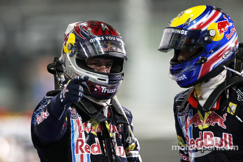 Ganador Sebastian Vettel, Red Bull Racing con segundo lugar Mark Webber, Red Bull Racing