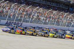 David Reutimann, Michael Waltrip Racing Toyota leads the field