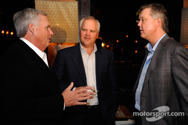 Robert Niblock (center) with Brian France (right) and Rick Hendrick