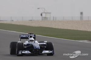 His Highness Sheikh Khalid bin Hamad Al-Thani of Qatar test drives the Williams-Toyota FW31