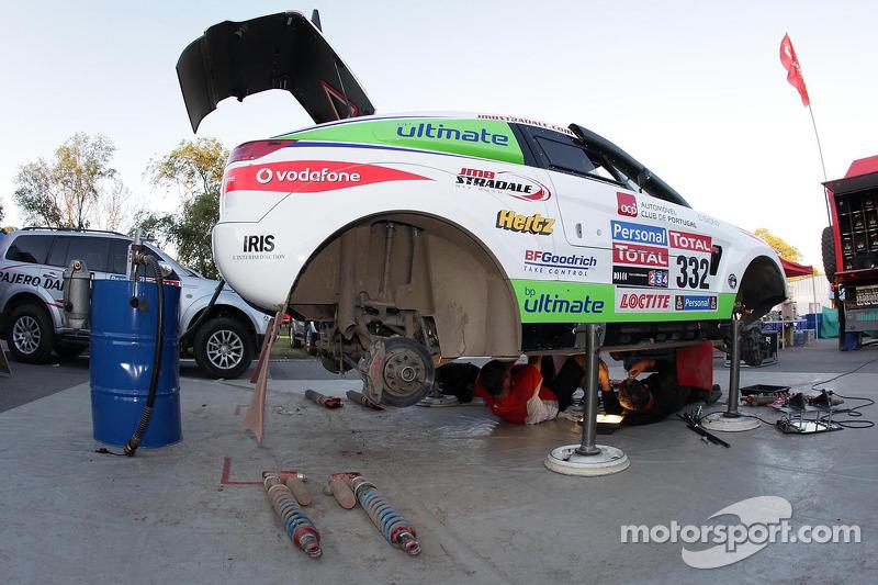 #332 Mitsubishi de Miguel Barbosa et Miguel Ramalho
