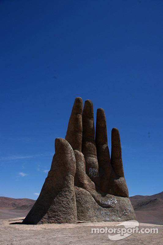 Une main sculptée entre Copiapo & Antofagasta