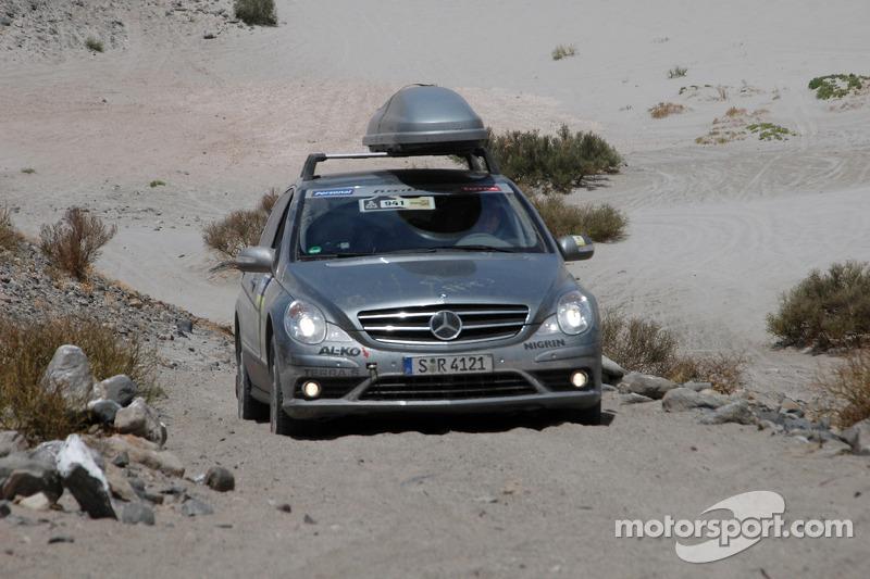 #941 Mercedes-Benz R-Class de presse