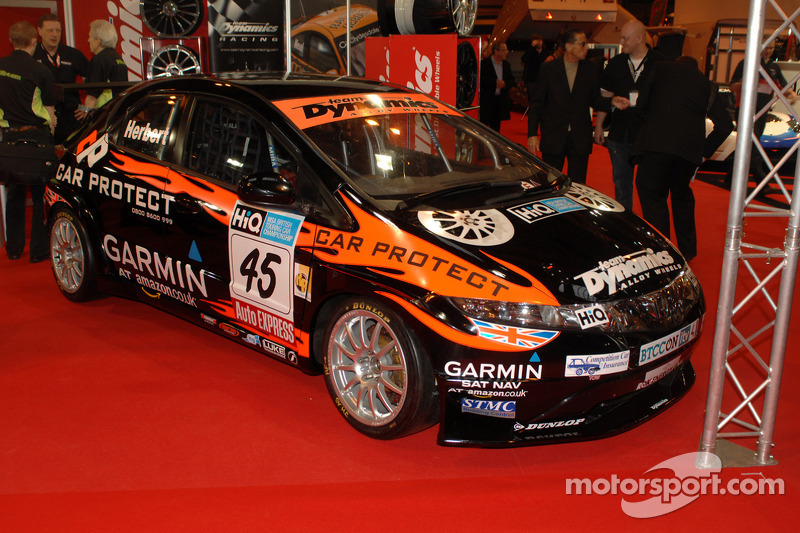 Johnny Herberts 2009 BTCC Team Dynamics Civic
