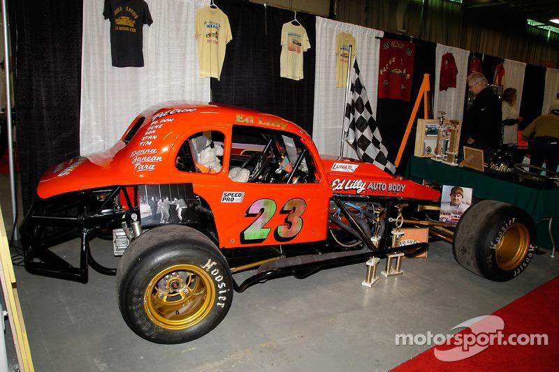 Ed Lilly pilota cette Plymouth de 1936 au Doney Park Speedway de 1971 à 1982, remportant le championnat en 1980