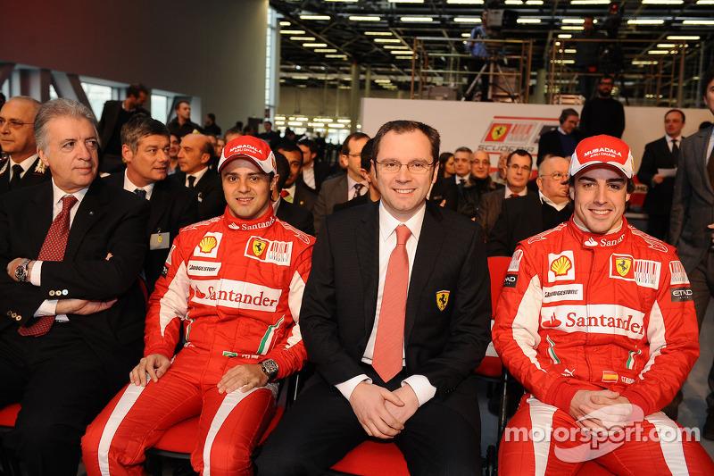 2010 - Ferrari - Fernando Alonso 252 X 144 Felipe Massa