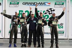 Victory lane: GT winnaars Jonathan Bomarito, Nick Ham, David Haskell en Sylvain Tremblay