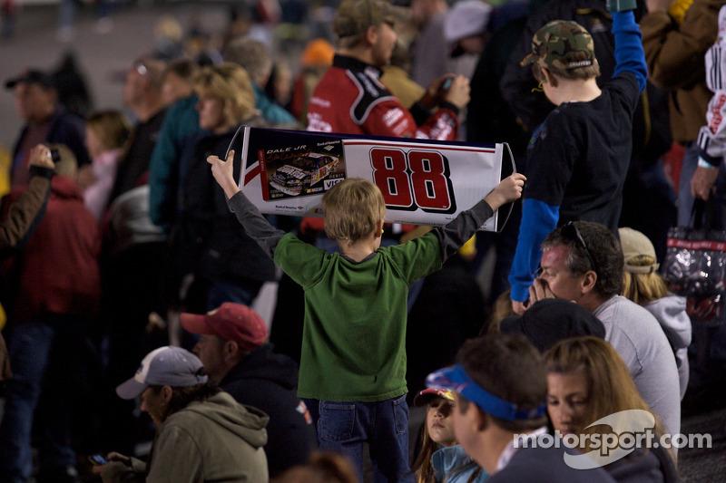 Un jeune fan de Dale Earnhardt Jr.