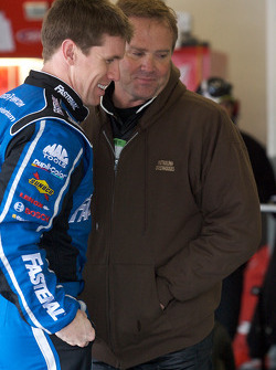 Carl Edwards, Roush Fenway Racing Ford and Mike Wallace, K-Automotive Motorsports Dodge