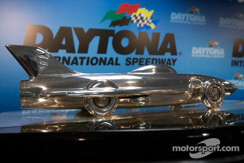 De Harley Earl Daytona 500 trofee