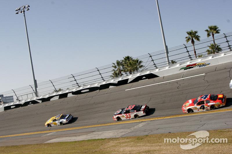 Dale Earnhardt Jr., Kevin Harvick en Tony Stewart