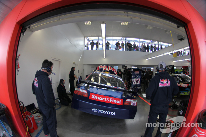 Garage du Red Bull Racing Team Toyota