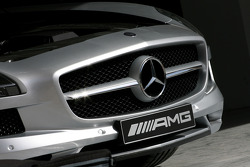 The new safety car, the Mercedes SLS AMG