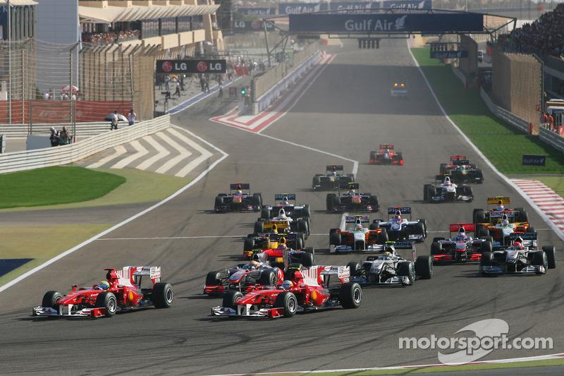 Start van de race, Fernando Alonso, en Felipe Massa, Scuderia Ferrari