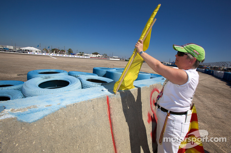 Marshall aan het werk onder de gele vlag