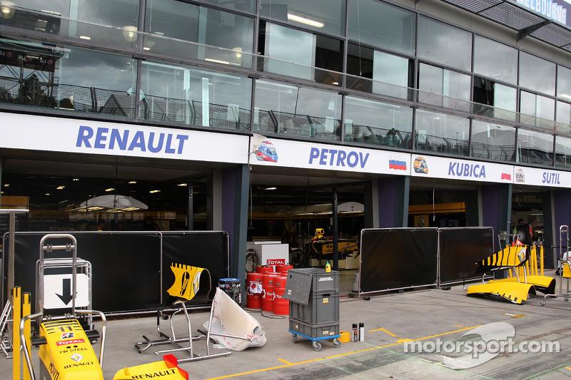 Pr paration de la course garage renault grand prix d for Garage renault chambon la grand croix