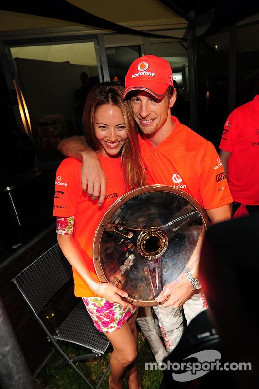 Jessica Michibata and Jenson Button, McLaren Mercedes