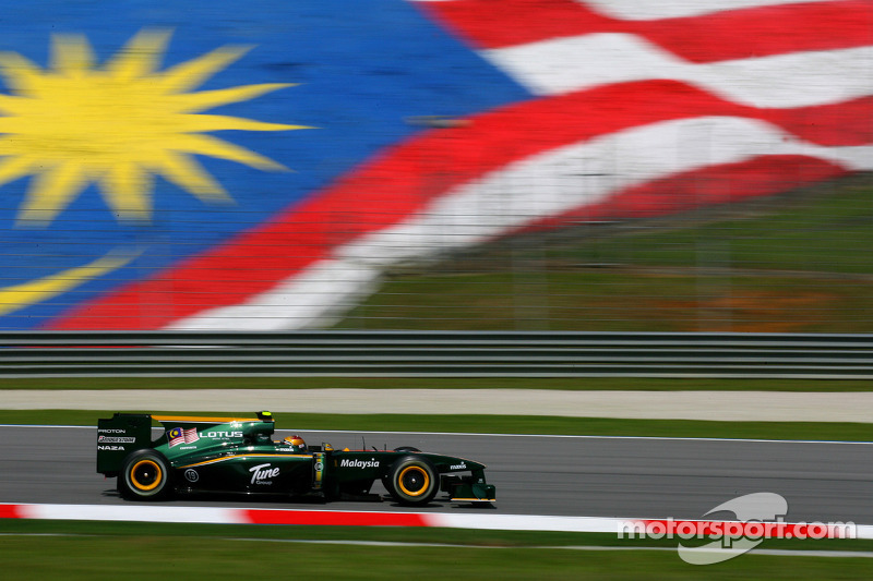 2010: Fairuz Fauzy, piloto de pruebas, Lotus T127