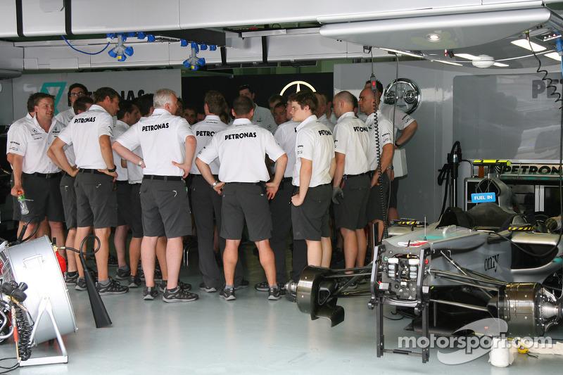 Mercedes mecaniciens