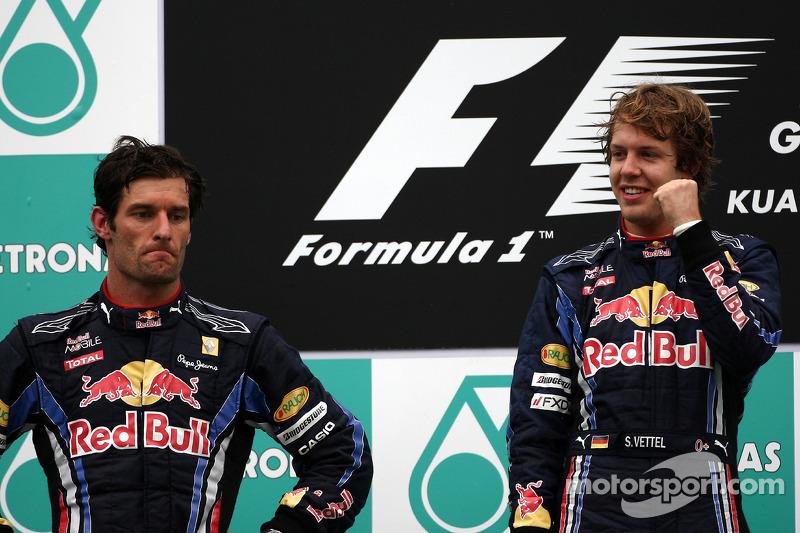 Podium : vainqueur Sebastian Vettel, Red Bull Racing, deuxième Mark Webber, Red Bull Racing