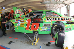 Work on the #18 Interstate Batteries Toyota of Kyle Busch