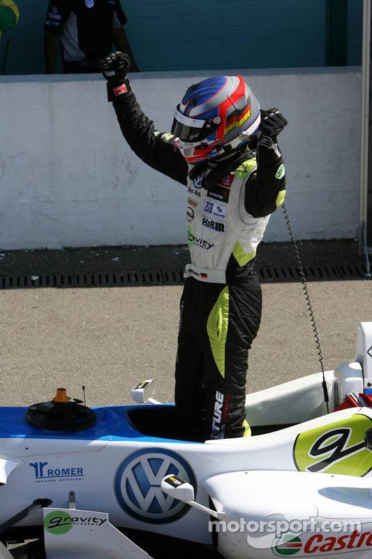Race winnaar Marco Wittmann, Signature, Dallara F308 Volkswagen
