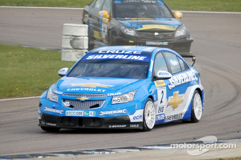 Jason Plato devant James Nash