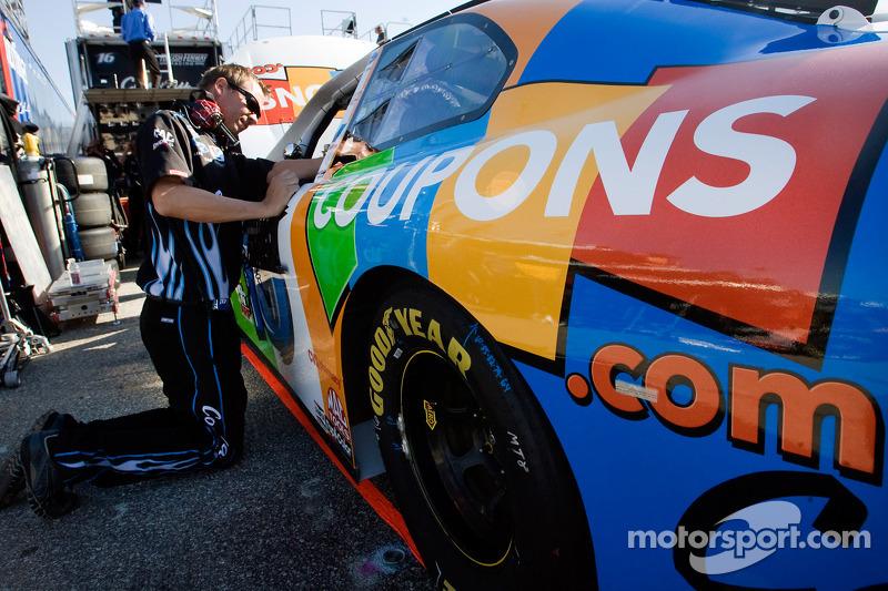 Teamleden brengen veranderingen aan Coupons.com Ford