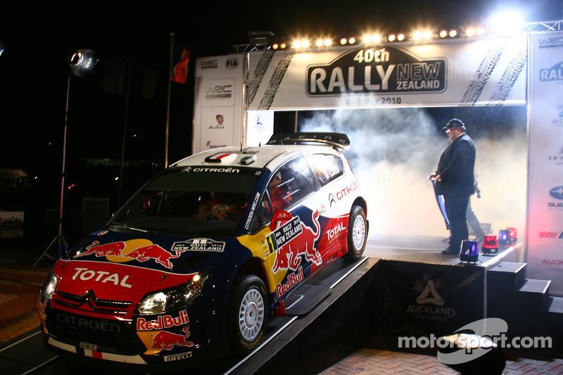 Startceremonie voor Sébastien Loeb en Daniel Elena, Citroën C4, Citroën Total World Rally Team