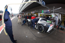 Pit stop for #72 Luc Alphand Aventures Corvette C6.R: Julien Jousse, Stephan Gregoire, David Hart