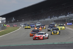 Start of the second group: #61 Mathol Racing Aston Martin Vantage V8: Matthias Holle, Rickard Nilsson, Frank Bierther