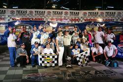 Todd Bodine, Germain.com Toyota celebrates in Victory Lane