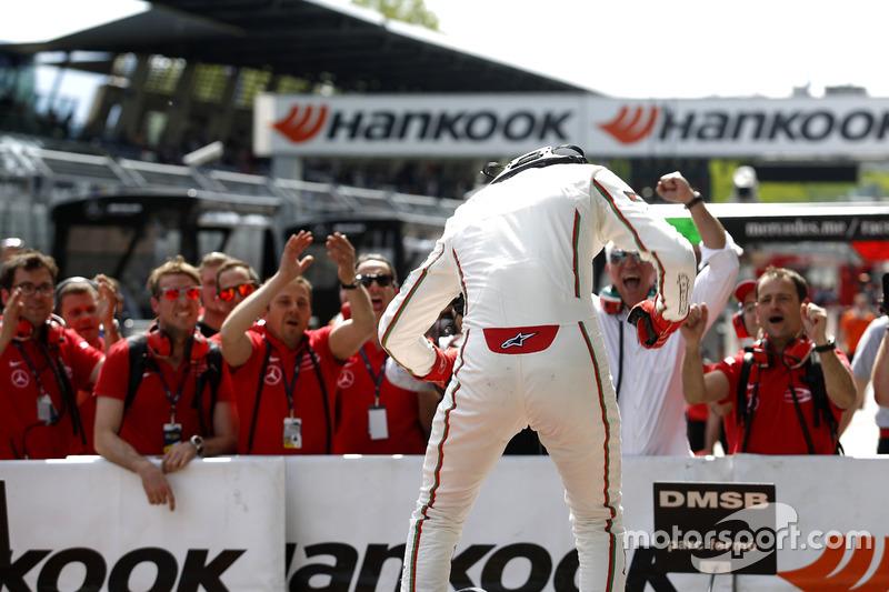 Ganador de la carrera Lance Stroll, Prema Powerteam Dallara F312 – Mercedes-Benz