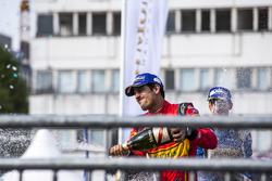 Terzo posto, Lucas di Grassi, ABT Schaeffler Audi Sport, festeggia sul podio