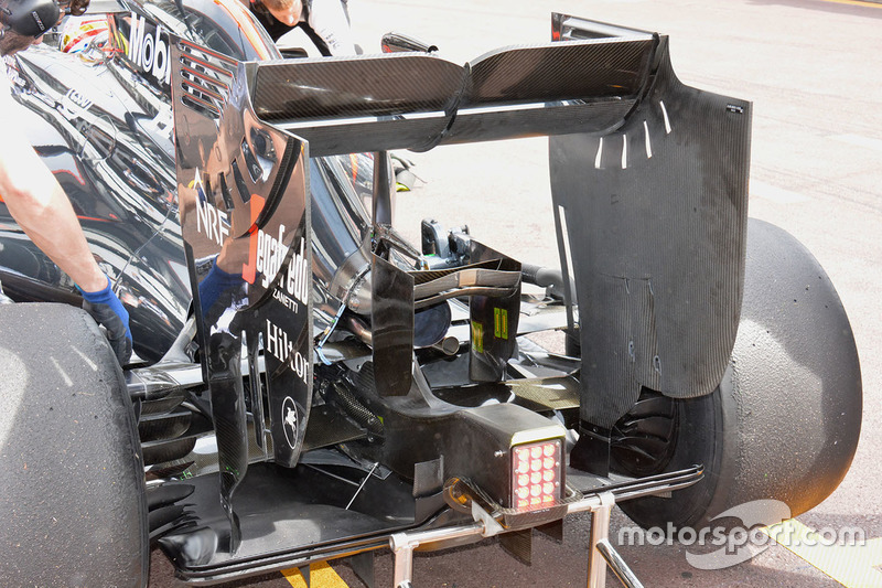 Détail de l'aileron arrière de la McLaren MP4-31