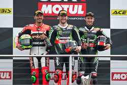 Podio: el ganador Tom Sykes, Kawasaki Racing Team, el segundo Davide Giugliano, Aruba.it Racing - Ducati Team, Jonathan Rea, Kawasaki Racing Team