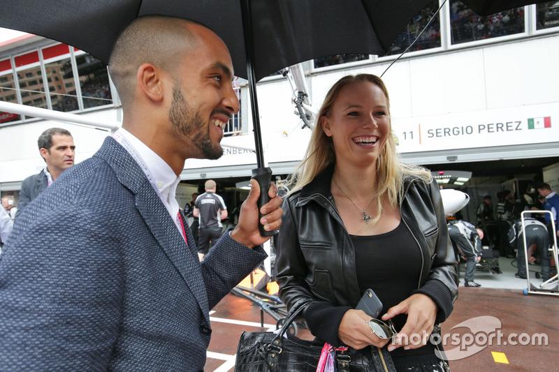 (Da Sx a DX): Theo Walcott,calciatore e Caroline Wozniacki, tennista con il Sahara Force India F1 Team