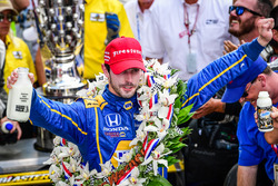 Победитель гонки: Александр Росси, Herta - Andretti Autosport Honda
