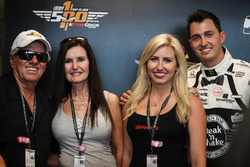 John Force, sa femme Laurie, Graham Rahal et sa femme Courtney Force
