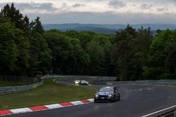 #51 Team Securtal Sorg Rennsport, BMW 335i: Niels Borum, Jeppe Degnbol Moller, Michael Eden, Wayne Moore