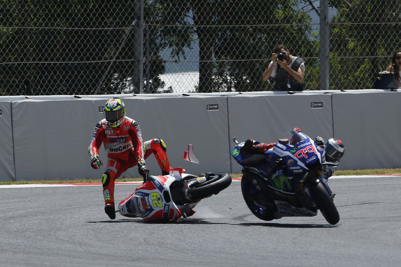 Andrea Iannone, Ducati Team, Jorge Lorenzo, Yamaha Factory Racing, incidente