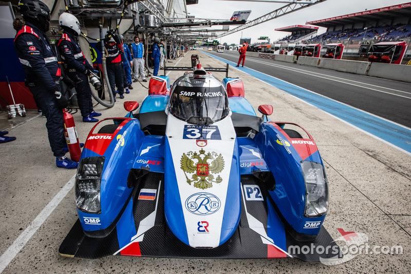 22: BR01 Nissan команды SMP Racing (№37): Виталий Петров, Виктор Шайтар, Кирилл Ладыгин