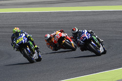 Valentino Rossi, Yamaha Factory Racing sorpassa Jorge Lorenzo, Yamaha Factory Racing