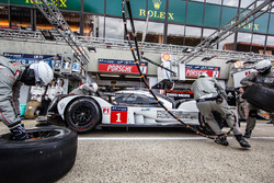Pit stop practice for #1 Porsche Team Porsche 919 Hybrid: Timo Bernhard, Mark Webber, Brendon Hartley