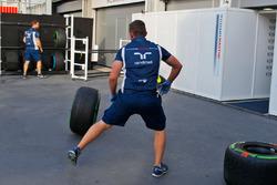 Williams mechanics with Pirelli tyres
