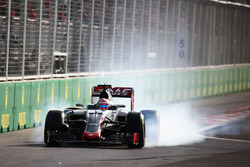 Romain Grosjean, Haas F1 Team VF-16 verremt zich