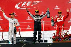 Подіум (зліва направо): Ніко Росберг, Mercedes AMG F1, переможець гонки; Серхіо Перес, Force India F1, третє місце;  Себастьян Феттель, Ferrari, друге місце