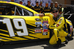 Polesitter Carl Edwards, Joe Gibbs Racing Toyota